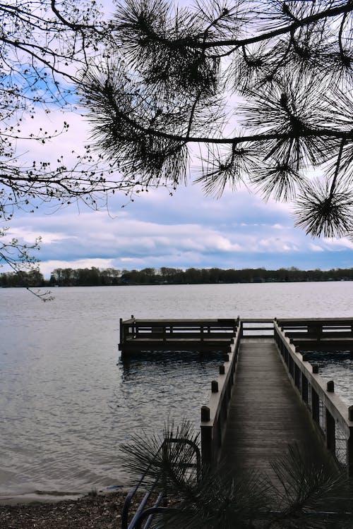Gratis stockfoto met dok, h2o, meer, zicht op het meer