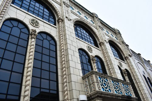 Gratis stockfoto met architectuur, bakstenen, gebogen ramen