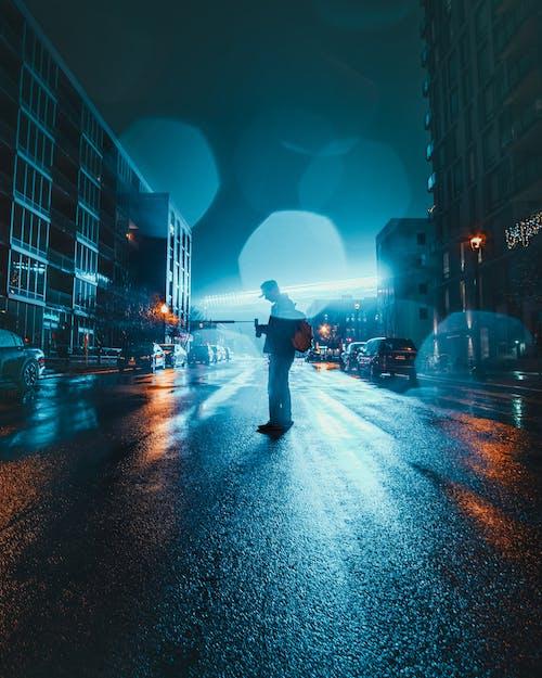 Gratis stockfoto met 's nachts, asfalt, avond, binnenstad