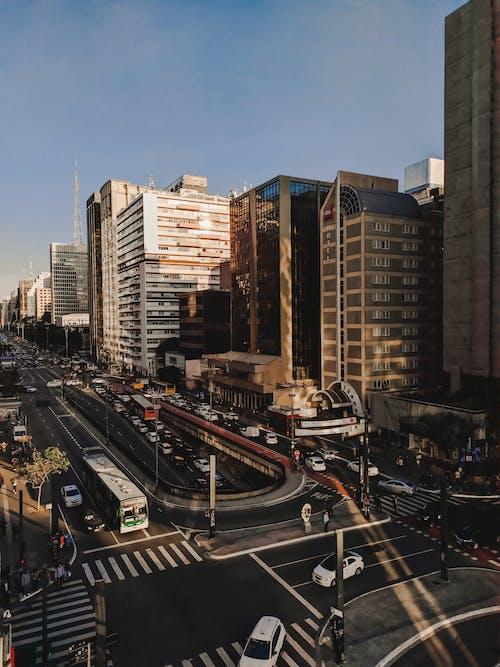 Fotos de stock gratuitas de al aire libre, alto, arquitectura, asfalto