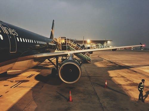 Základová fotografie zdarma na téma cesta, cestování, letadlo, leteckých společností