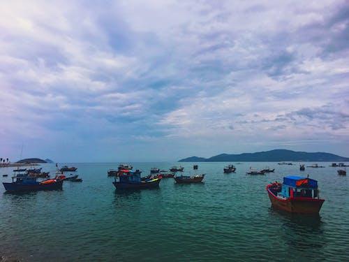 Základová fotografie zdarma na téma Asie, čluny, moře, obloha