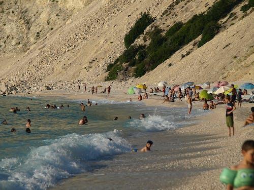 Ilmainen kuvapankkikuva tunnisteilla hiekkaranta, loma-aika, meri, mirtos