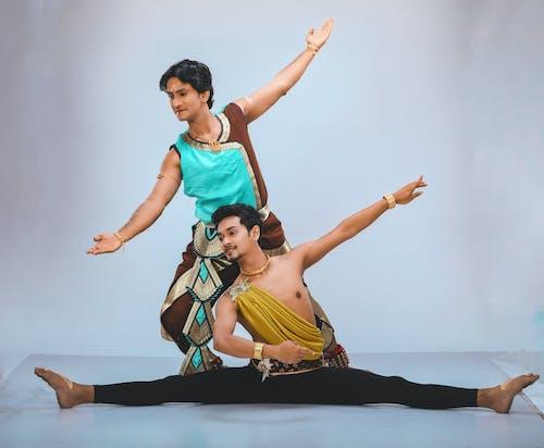 Ingyenes stockfotó Balett-táncos, emberek táncolnak, fiú tánc, táncoló témában