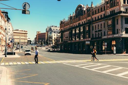Fotos de stock gratuitas de arquitectura, carretera, carril peatonal, céntrico