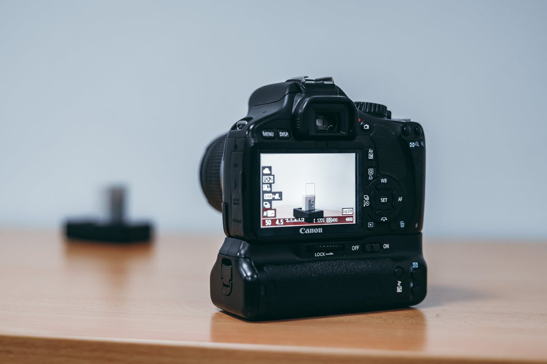 attrezzatura fotografica, canon, dslr