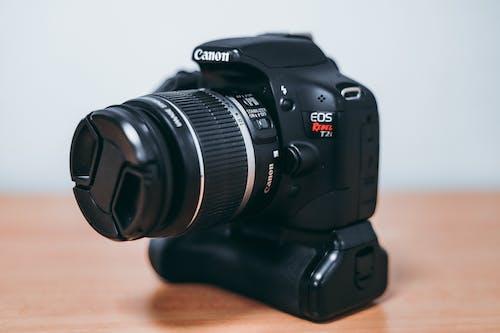 Fotobanka sbezplatnými fotkami na tému Canon, digitálny fotoaparát, elektronika, fotoaparát