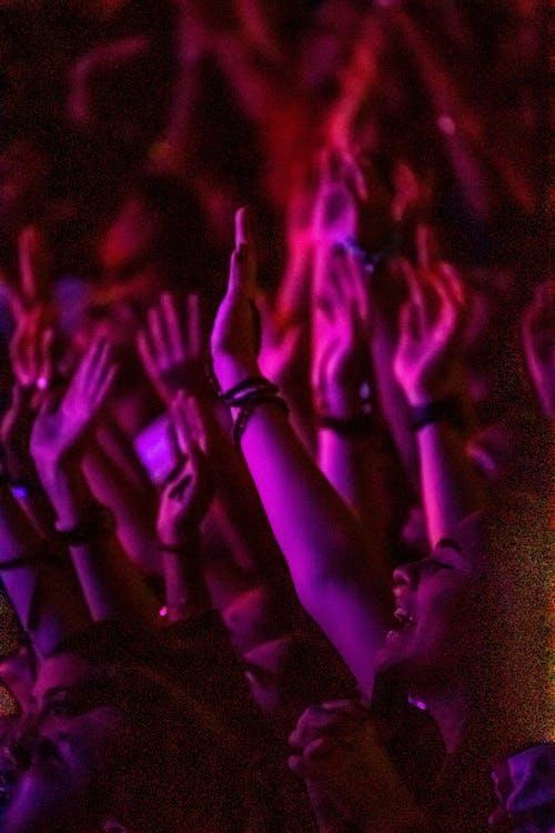 folk, hænder, hænder op