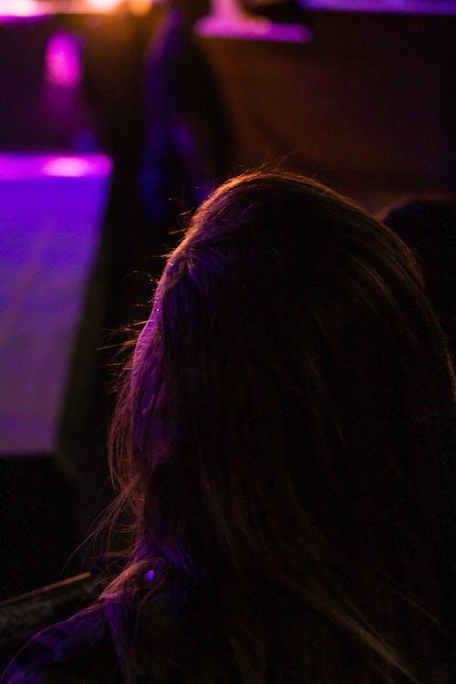 Gratis stockfoto met concert, lampen, meisje