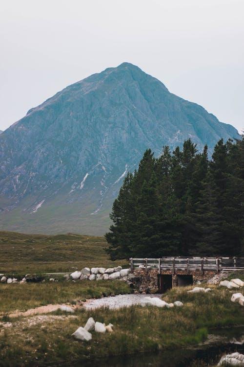 Gratis lagerfoto af bjerg, bro, flod, scottish