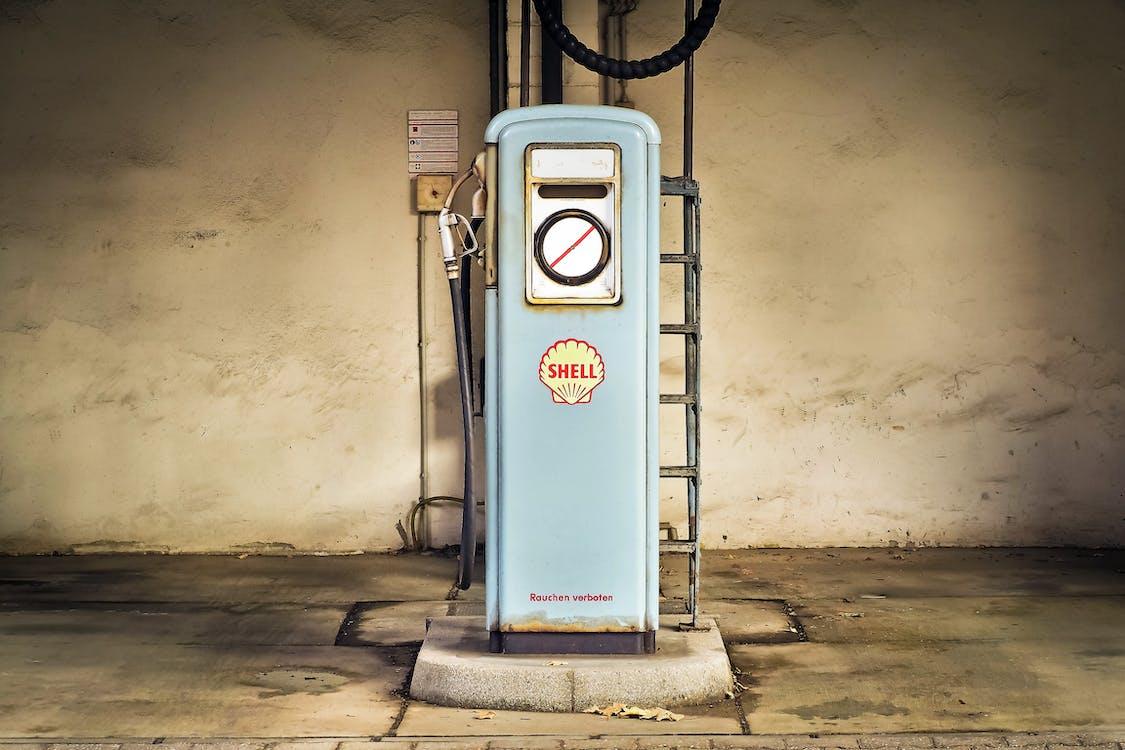 abandonado, aceite, antigua gasolinera