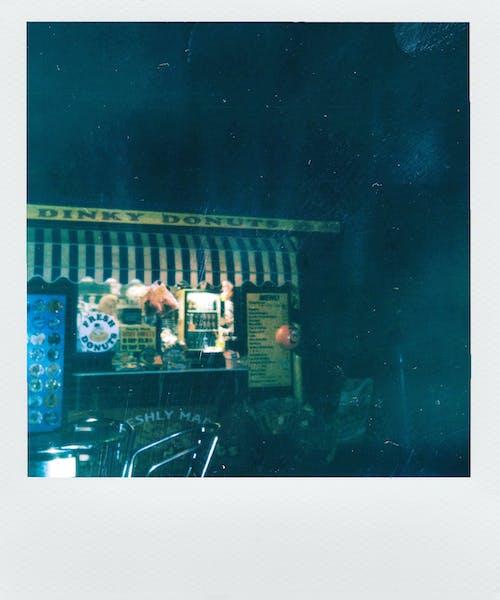 Безкоштовне стокове фото на тему «Polaroid, бізнес, вікно, Вулиця»