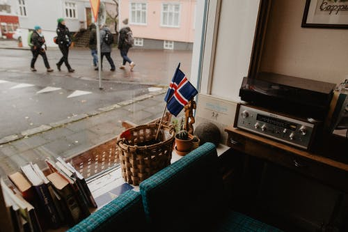 Foto profissional grátis de ação, bandeira, cidade, comércio