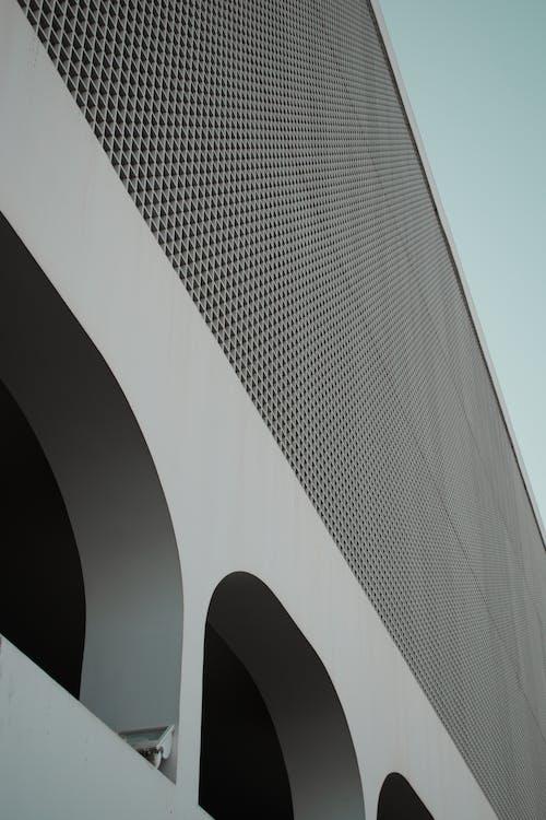 Darmowe zdjęcie z galerii z architektura, budynek, budynek od zewnątrz, perspektywa żabia