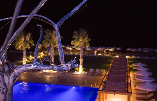 Kostenloses Stock Foto zu hotel, hotel dekorationen, pool