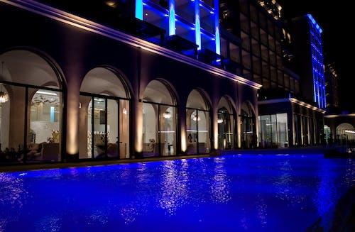 Kostenloses Stock Foto zu hotel, pool
