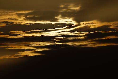 Foto d'estoc gratuïta de alba, cel, dramàtic, fosc