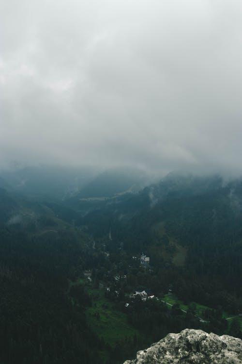 マウンテンビュー, ムーディー, 山, 曇りの無料の写真素材
