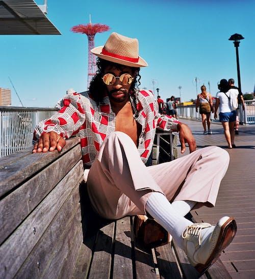 Ilmainen kuvapankkikuva tunnisteilla aikuinen, asento, aurinkolasit, glamour