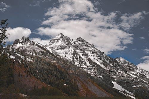 Безкоштовне стокове фото на тему «вершина гори, високий, гори, денний час»