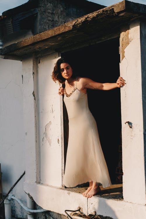 Foto stok gratis atraktif, bagus, berdiri, bergaya