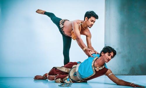 Ingyenes stockfotó Balett-táncos, balett-táncosok, break tánc, két ember táncolni témában