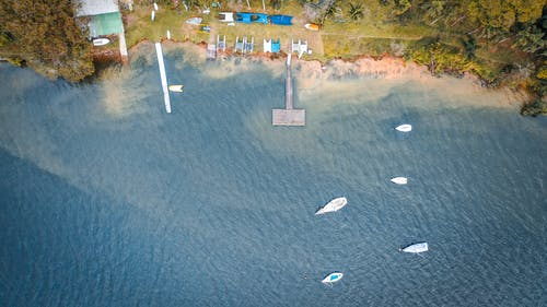 Foto d'estoc gratuïta de a l'aire lliure, aeri, aigua, barques