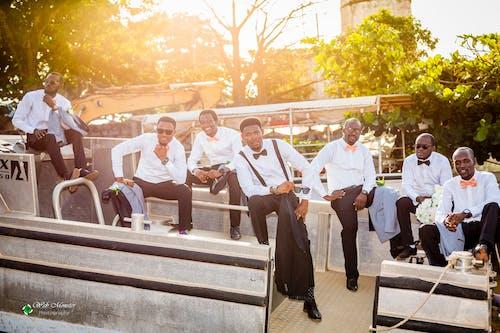 Δωρεάν στοκ φωτογραφιών με βάρκα, γαμήλια τελετή, γαμπρός, μαύρος