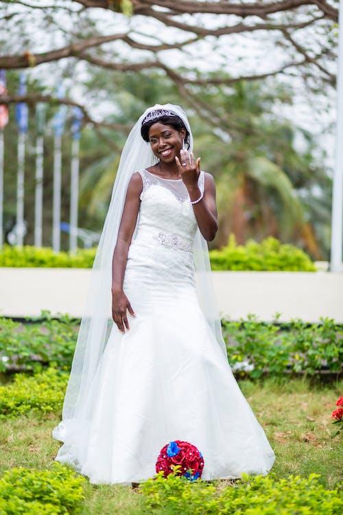 Δωρεάν στοκ φωτογραφιών με απασχολημένος, Αφρικανή, αφρικανικός, γαμήλια τελετή