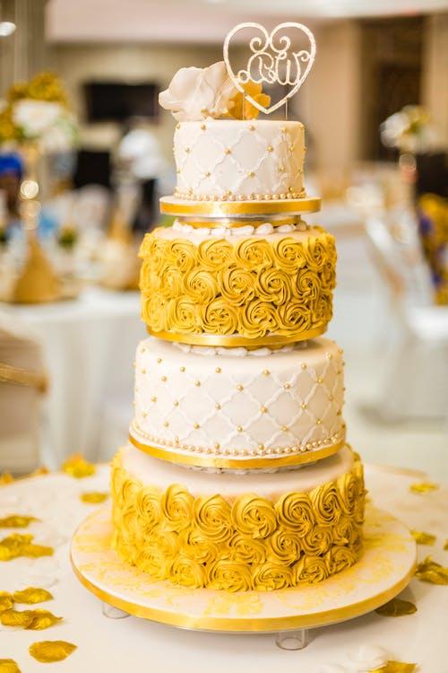Δωρεάν στοκ φωτογραφιών με γαμήλια τελετή, γλυκός, κέικ, κίτρινη