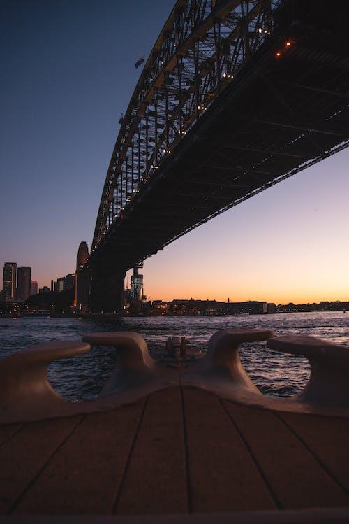 Immagine gratuita di alba, architettura, crepuscolo, fiume