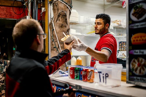 erkekler, Gıda, insanlar, ısmarlamak içeren Ücretsiz stok fotoğraf
