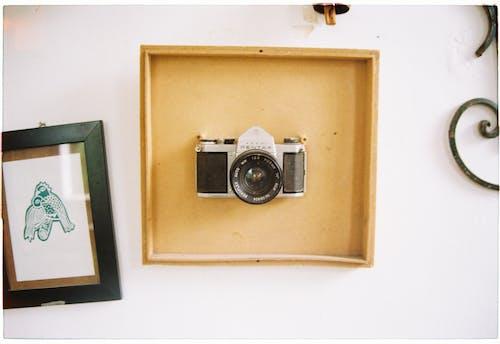 Gratis stockfoto met antiek, binnen, binnenshuis, camera