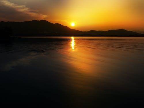Imagine de stoc gratuită din apă, apus, cer portocaliu, munți