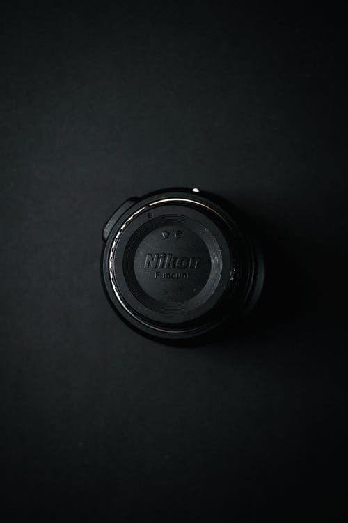 Free stock images with the color Black (#000000)