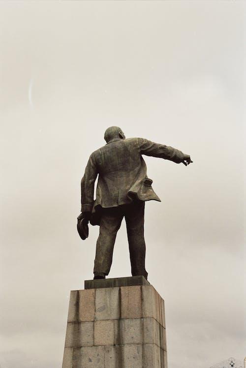 Fotos de stock gratuitas de Arte, de espaldas, escultura, estatua