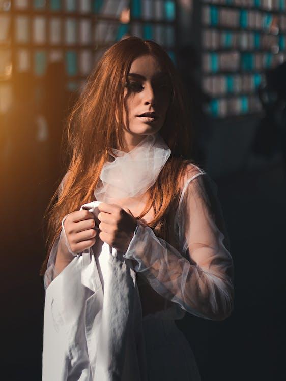 Imagine de stoc gratuită din chip, costum, de sex feminin