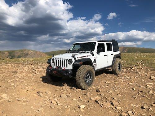 Darmowe zdjęcie z galerii z jeep