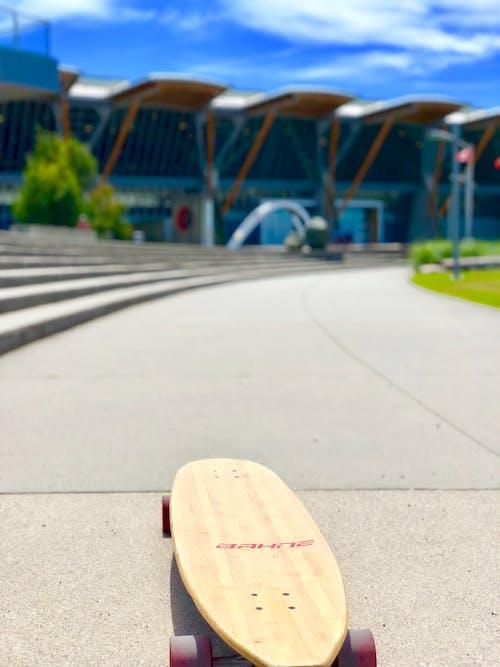 Δωρεάν στοκ φωτογραφιών με longboard, skateboard, δρόμος, ηλιόλουστη μέρα