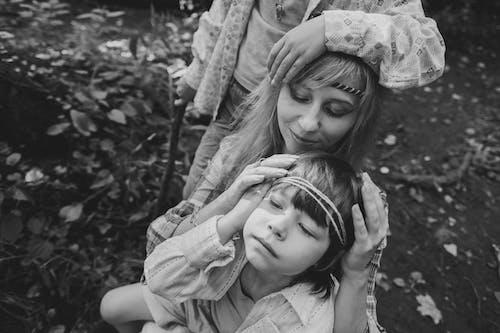 Fotos de stock gratuitas de adorable, adulto, afecto, al aire libre