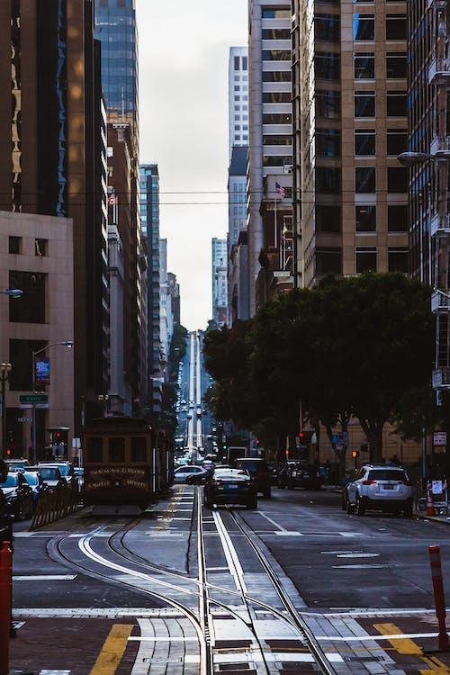 Základová fotografie zdarma na téma budovy, město, San Francisco, tramvaj