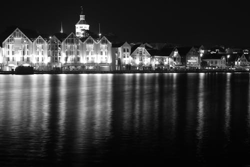 Free stock photo of black and white, light reflections, long exposure, night city