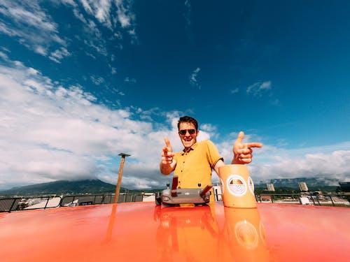 Безкоштовне стокове фото на тему «perosn, блакитне небо, гарний, глибина різкості»