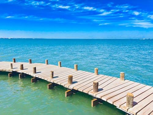 Foto d'estoc gratuïta de aigua blava, cel blau, fotografia de viatges
