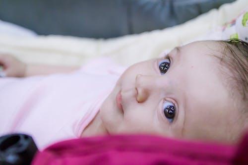 Foto profissional grátis de atraente, bebê, beleza, cara