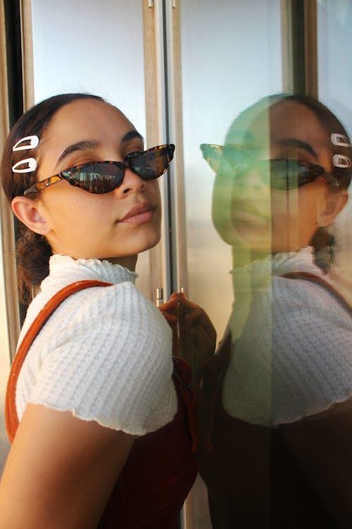 Ingyenes stockfotó álló kép, divat, napszemüveg, nő témában