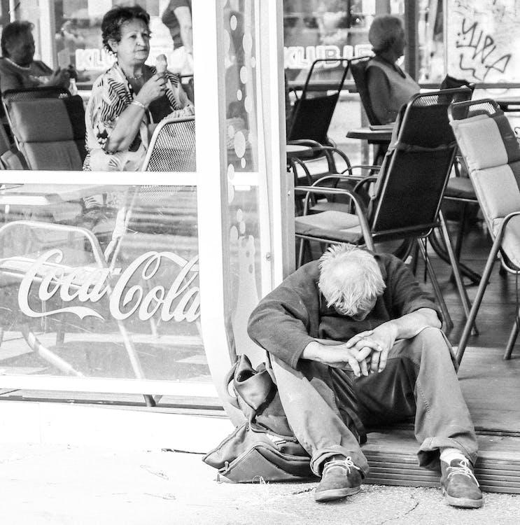 fattig, hjemløs, iskrem