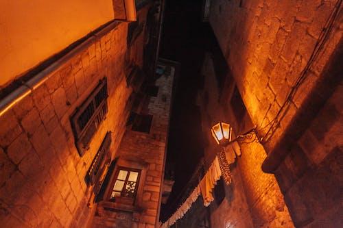 Foto d'estoc gratuïta de arquitectura, carrer, ciutat, ciutat antiga