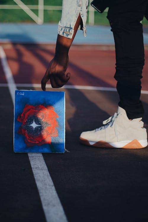 Fotos de stock gratuitas de al aire libre, atletismo, calle, calzado