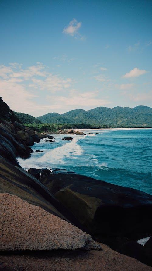 Δωρεάν στοκ φωτογραφιών με δίπλα στη θάλασσα, μπλε, μπλε φόντο, παραλία
